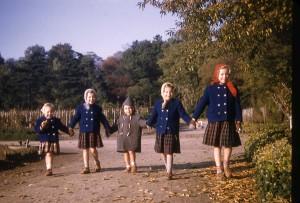 Yves et ses cousines, circa 1958